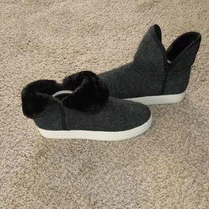 Skechers boots.sides fold down for different look